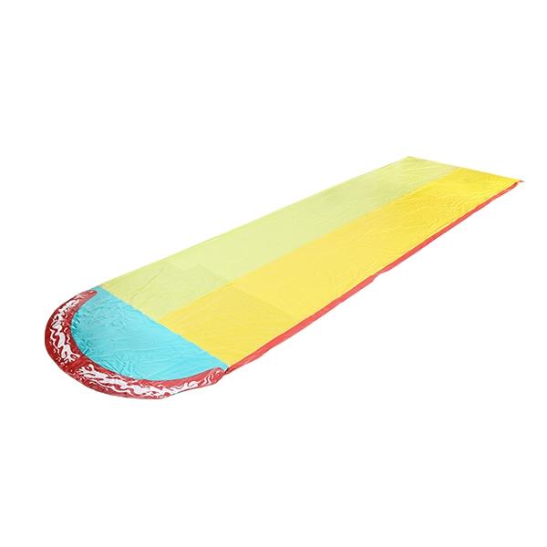 彩色滑水道